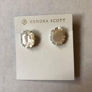 NWOT ivory Kendra Scott Morgan Earrings